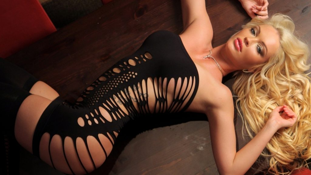 Sexy blonde London Escorts in the Gallery